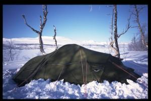 Tält snö by kaagen